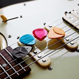 guitar picks 300x300 - The Guitar: Ultimate Guide To Buying Guitar!