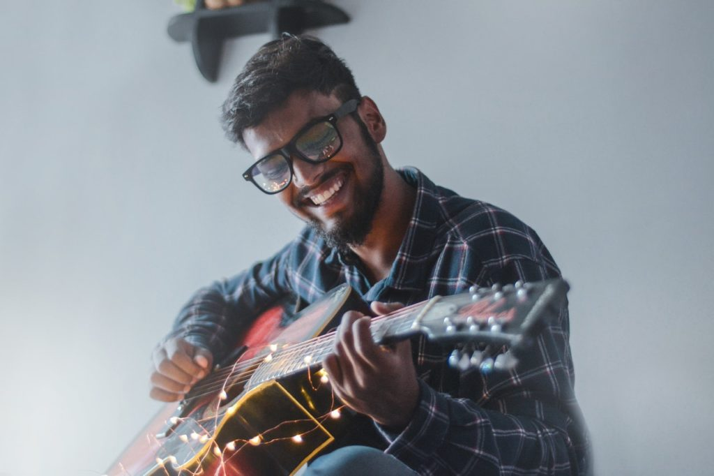 Easy Hindi Songs on Guitar 1024x682 - 26 Easy Hindi Songs on Guitar - Beginners Guide (2020)